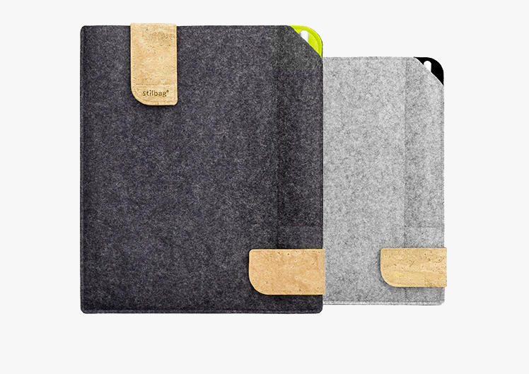 Bag for iPad with Pencil, Samsung with S Pen or Huawei with M Pen. We have the perfect sleeve for tablets with pen. Made of felt & cork.